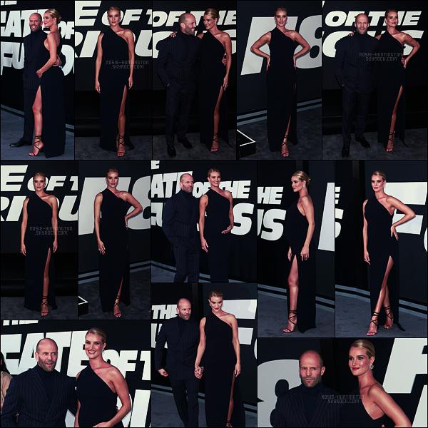 08/04/17 - Rosie Huntington et Jason S. se sont rendus à l'avant première de The Fate of Furious, NY Ventre arrondi n'empêche pas Rosie de se percher sur des talons de 15cm, qu'est ce qui peut arrêter la belle? Surement pas bébé en route