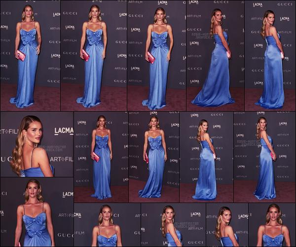 04/11/17 - Rosie Huntington était présente au LACMA Art + Film Gala qui s'est déroulé à Los Angeles.  J'aime beaucoup la couleur de la robe et la forme aussi, elle est signée par Gucci tout comme les talons portés. C'est un très beau top.