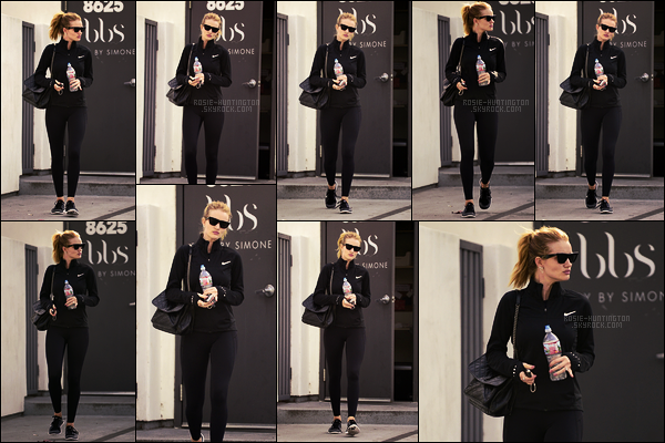 02/01/18 - De bon matin, Rosie Huntington  quittait son cours de pilates dans sa salle habituelle de L-A.  Retour donc dans sa salle de d'habitude après un petit écart dans une autre. Je trouve son teint très joli ici, elle avait du le faire, top!