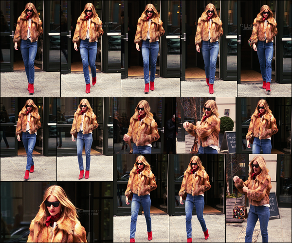 10/02/18 -  Dans la journée, Rosie Huntington a été photographiée quittant son hôtel situé dans  New York. On remarque le retour du foulard au tour du cou, j'adore! J'aime bien aussi son manteau, en espérant que c'est pas du vrai... C'est un top