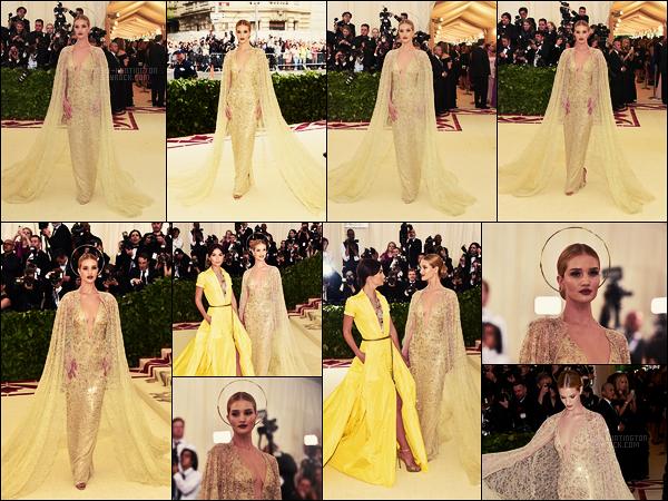 07/05/18 -  La belle blonde Rosie Huntington était présente au fabuleux MET Gala organisé à New York. Le thème de cette année est ▬  Corps céleste : Mode et Imagerie catholique. Elle était sublime et dans le thème, coup de coeur !