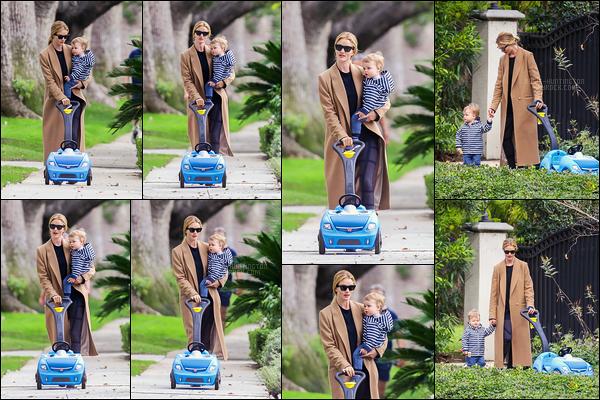 13/01/19 - Rosie Huntington a été repérée en balade avec son fils Jack dans les rues de -  Los Angeles. Un candid tout mignon pour ce début d'année, Jack a déjà bien grandi dis donc ! J'aime bien la tenue de Rosie, c'est un top, & vous ?