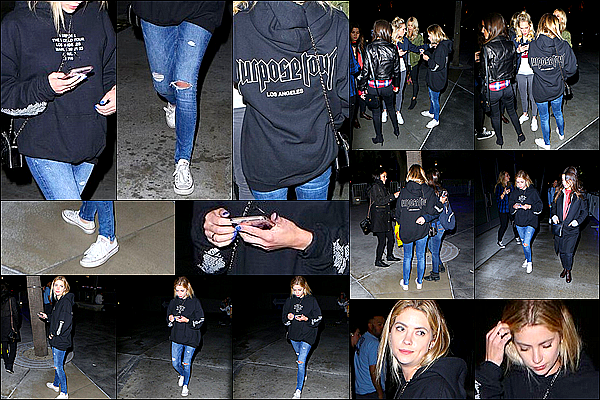 21 Mars 2016 - Ashley a été photographiée sortant du concert de Justin Bieber, avec des amies, à Los Angeles.