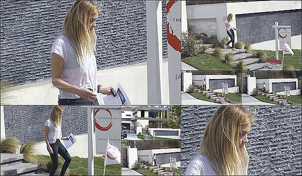 06 Mars - Plus tard dans la journée, notre jolie petite menteuse a visité une maison dans West Hollywood.
