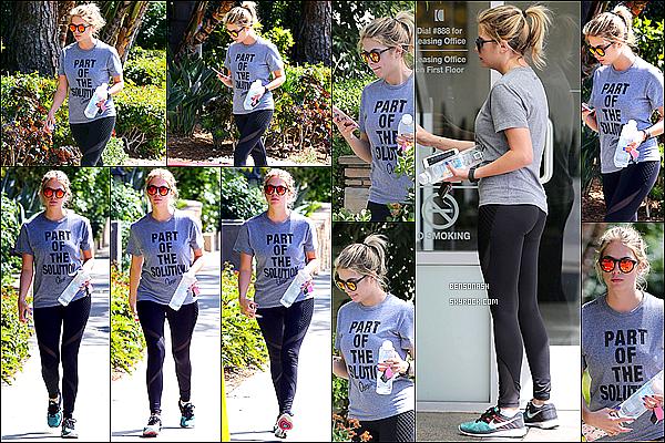 28 Mars - Ashley s'est rendue à son cours de sport à West Hollywood. Que pensez vous de sa tenue de Sport?