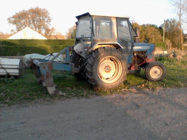 ford avec la sousoleuse