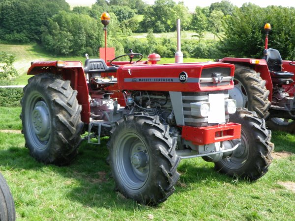 Massey fergusson 155 ( 4 roues motrices )