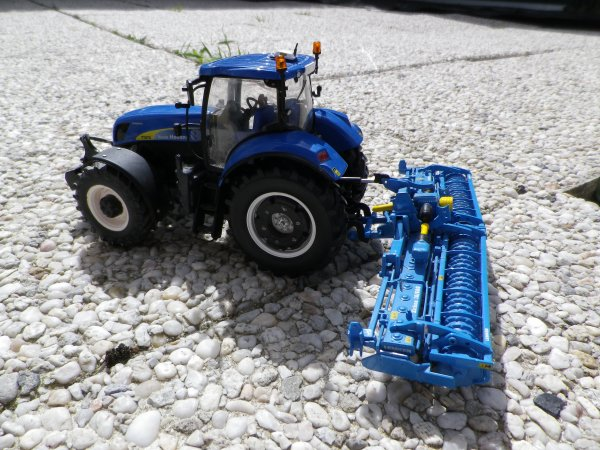 New-holland + herse rotative 6m