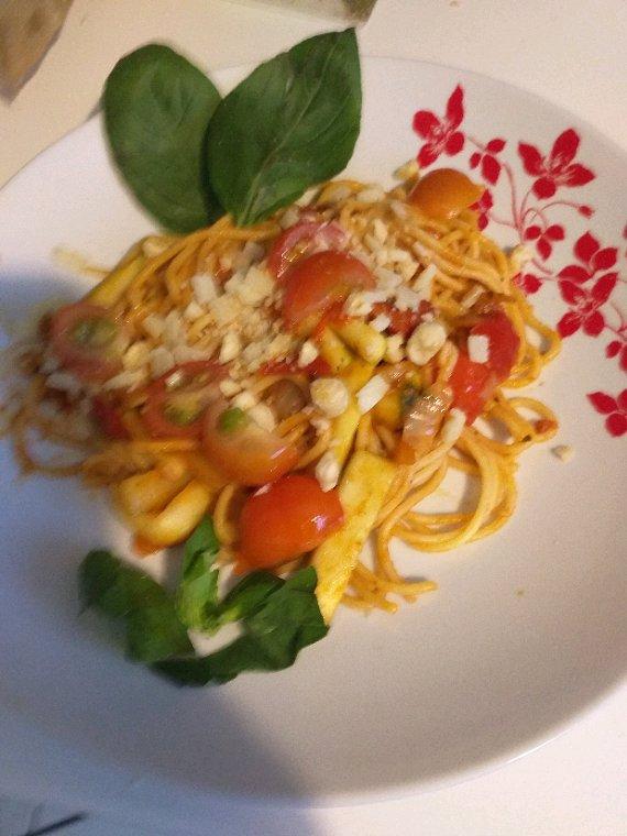 Linguines aux tomates confites et parmesan