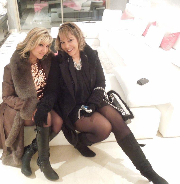 La blonde et la moins blonde... Hihihihihihihi