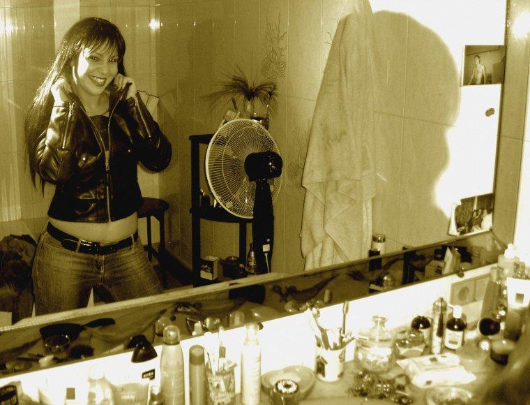 Miroir, miroir...qui est la plus sexy??? Hihihihihi
