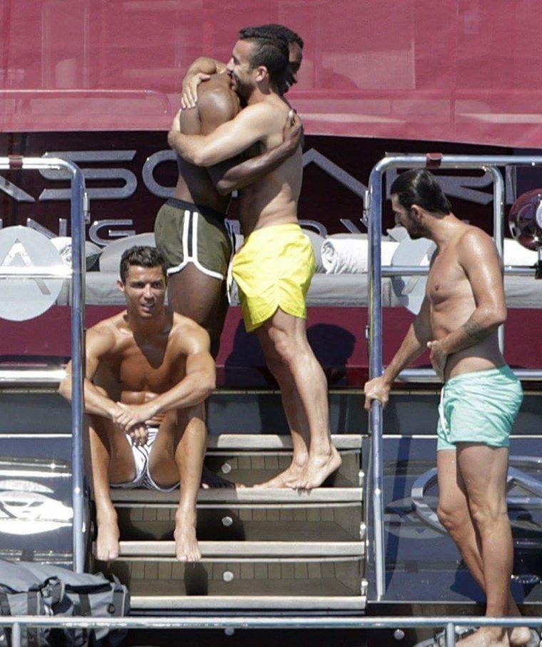 Ronaldo et ses copains...