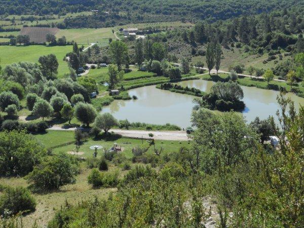 Sortie du mardi 30/07 ; 152 kms a 22 de moyenne, beau temps et chaleur 38°, Photo pause coca a Sault,lac de Monnieux (idéal pour camping car) et la Nesque......
