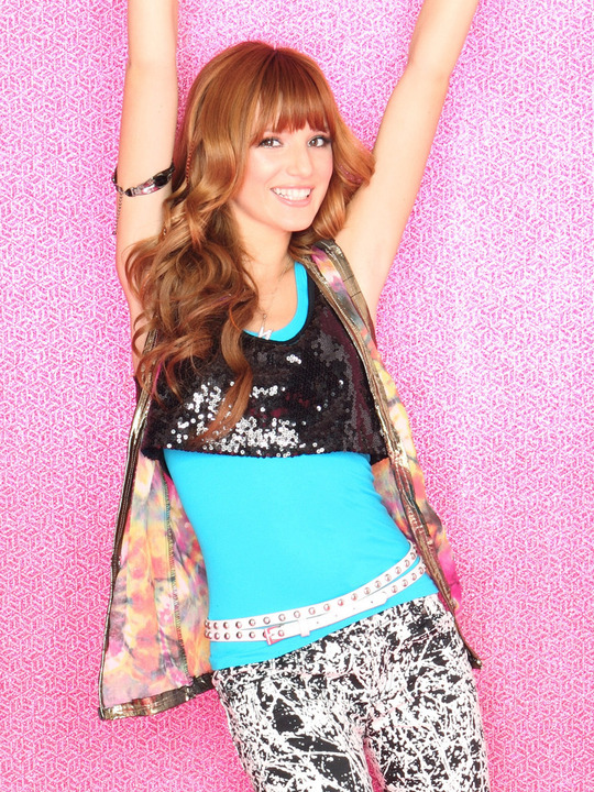 Interview de Bella Thorne sur son look!