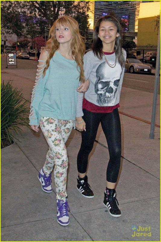 Bella avec Zendaya allant au studio de répétition de danse avec les stars