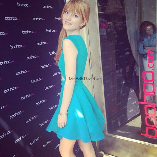 Bella Thorne à la fête de Boohoo Tea Party
