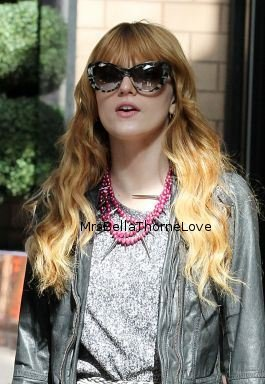 Bella Thorne se promenant dans les rues de New York
