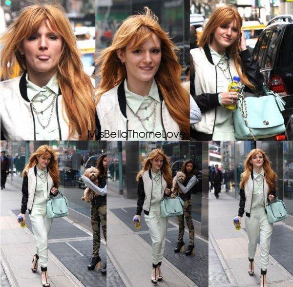 Bella Thorne quittant son hôtel le 1er avril