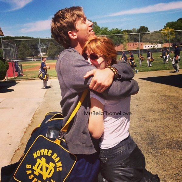 Bella Thorne était au match de son petit ami Tristan Klier le 3 avril à Los Angeles