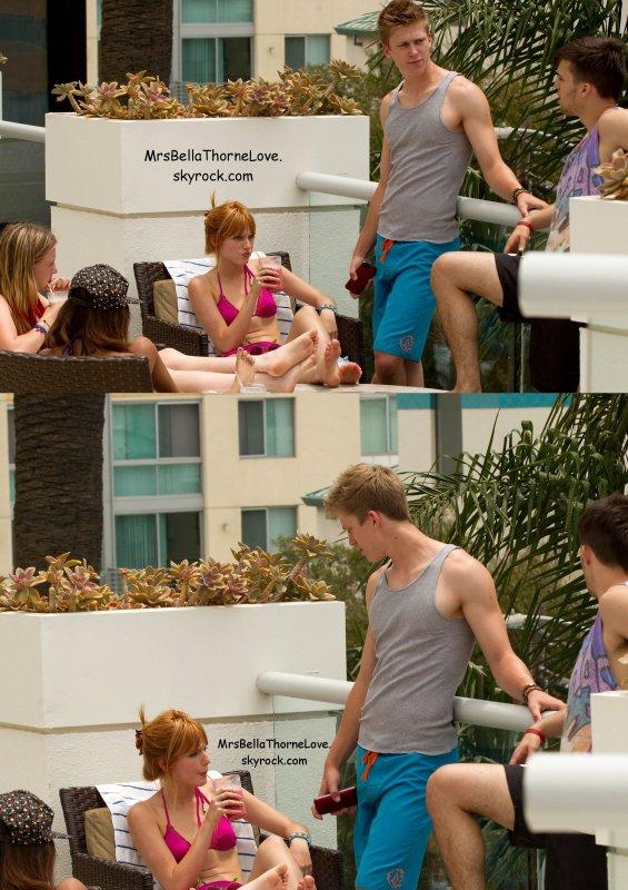 Bella Thorne, Bella P., Tristan, Rémy et Olivia à la piscine de Santa Barbara le 1er Juillet 2013