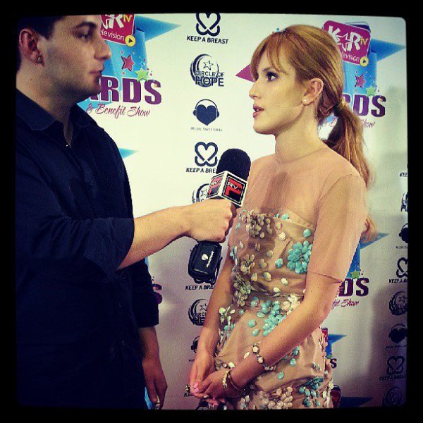 Bella Thorne au KartTV Dance Awards le 3 Juillet 2013 (partie 2) - Photos Twitter