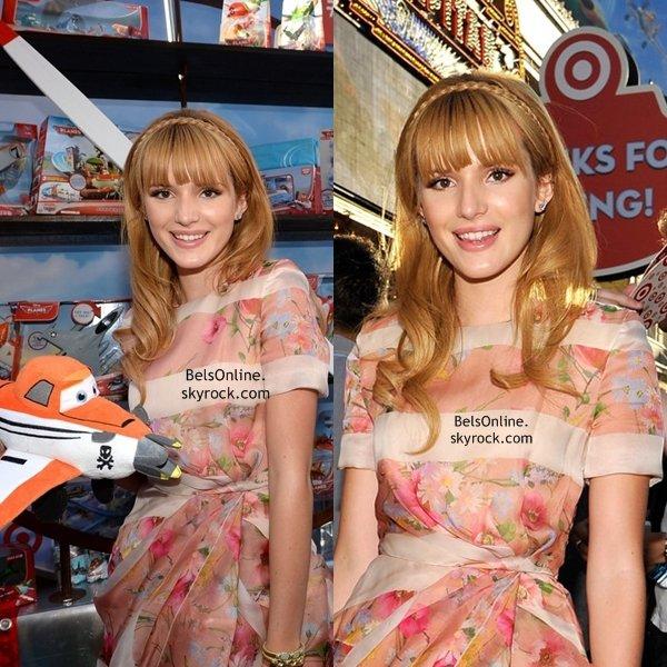 Bella Thorne à la première de Disney Planes le 5 Août 2013
