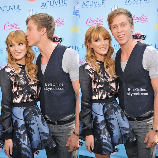 Bella Thorne au Teen Choice Awards le 11 Août 2013