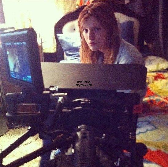 Bella Thorne sur le tournage de Big Sky le 29 Octobre 2013