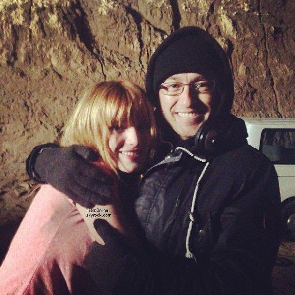 Nouvelles photos Twitter de Bella Thorne du 31 Octobre 2013