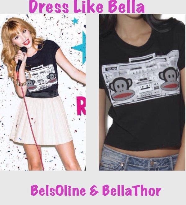 Bella Thorne sortant d'un salon de manucure le 11 novembre 2013