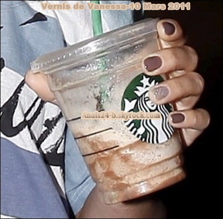 - - ★.•°•.• Vanessa à Beverly Hills - 10 Mars 2011 •.•°•.★ - -