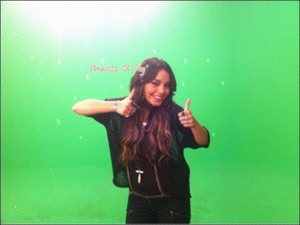 - - ★.•°•.• Les News de Vanessa •.•°•.★ - -