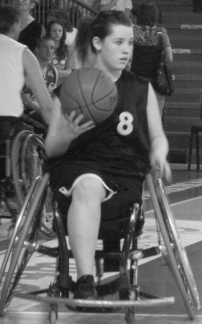 Amputée à 15ans: Handi basket ... *