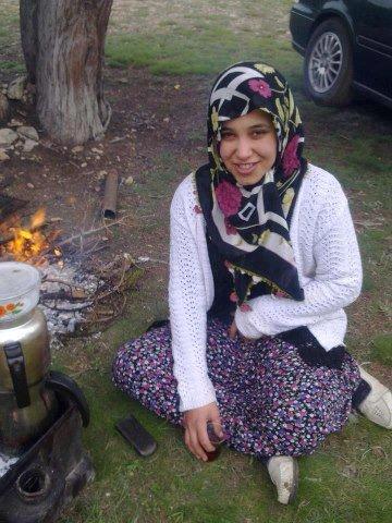 ma tite cousine ayse .elle vis en turquie