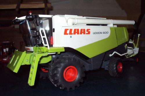 Claas Lexion 600 V1200
