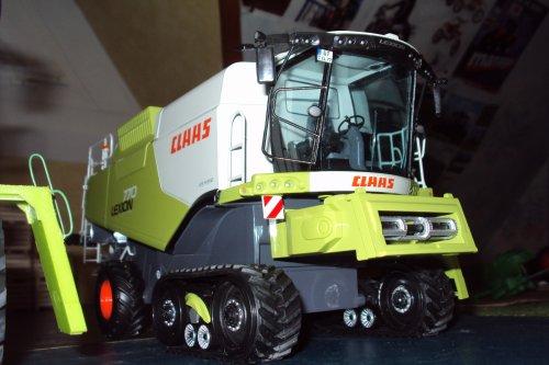 Claas Lexion 600 V1200 / Claas Lexion 770 TT V1200