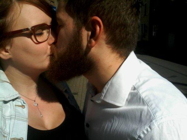 Bientôt les cloches de l'église retentiront, et je serai fière de dire que je suis ta femme; Je t'aime ma choukette <3