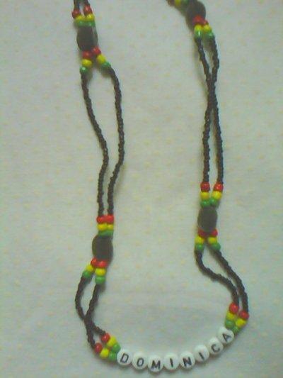 un modèle de collier personnalisé