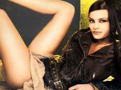 """دومنيك حوراني                         Dominique hourani Elle a un corps magnifique Dominique """"une chanteuse libanaise"""", trop belle , on va voir les autres photos d'elle..."""