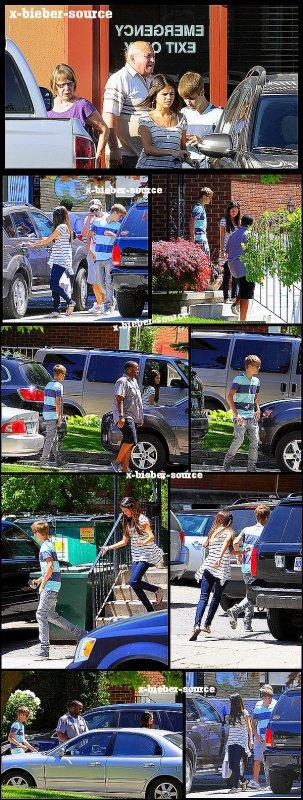 . . 2 Juin 2011__________________ Justin et Selena à Toronto . .