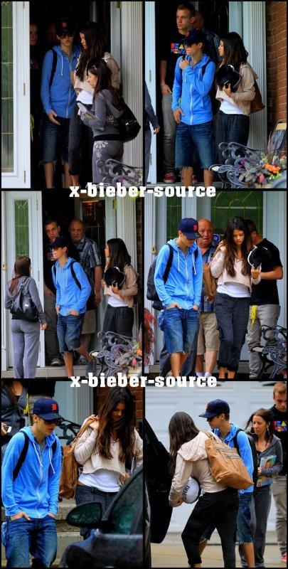 . . 4 Juin 2011__________________ Justin, sa mère et Selena ont été aperçu devant la maison des grand-parents à Justin . .