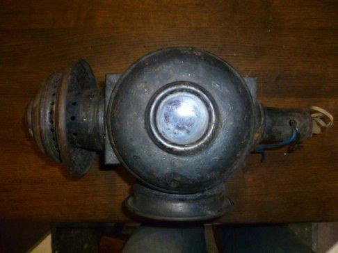 Ancienne lampe d'exterieur en cuivre