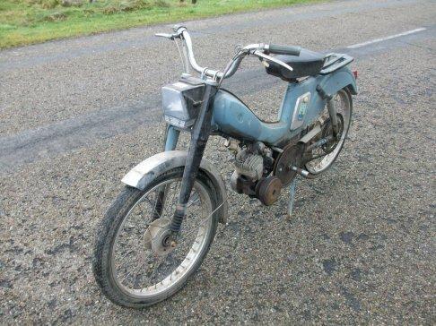 """Motobécane AV88 de 1960 célèbre modèle """" Mobylette Bleue"""""""