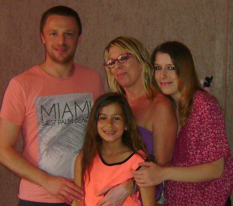 9 ans ma cheri mouahhhhhhhhhhh ♥♥♥ avec mes trois enfants ♥♥♥