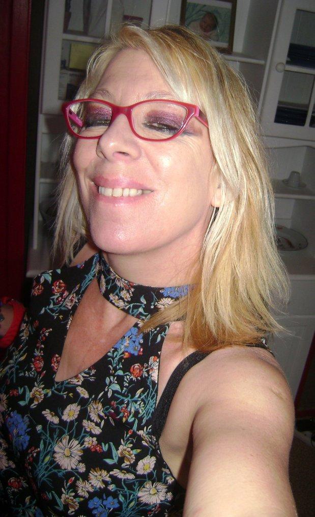 cc de moi aujourd hui tres bonne soiree tt le monde bisous bisous ::)