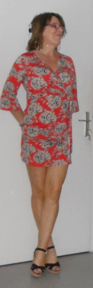coucou en mode aujourdhui   *   un gross bisous a mes fans a qui je souhaite une tres  belle soiree pleins de bisous pr vous ♥♥