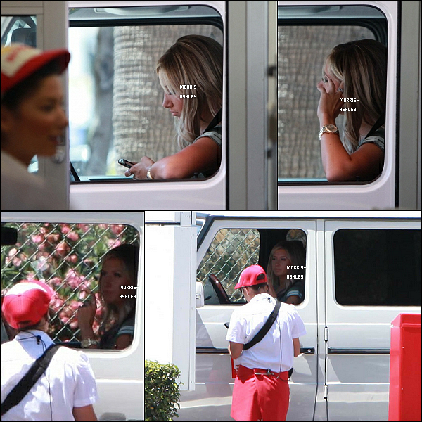01/07/2012 - Ash commandait de la nourriture au In-N-Out Burger dans Studio City.