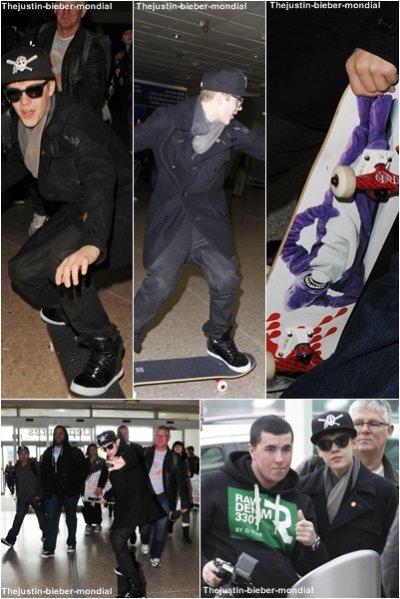 Justin à l'aéroport de Birmingham
