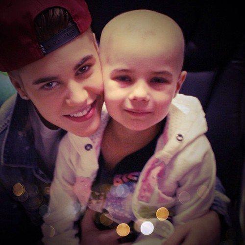 Justin retarde son concert pour aller visiter un enfant malade !