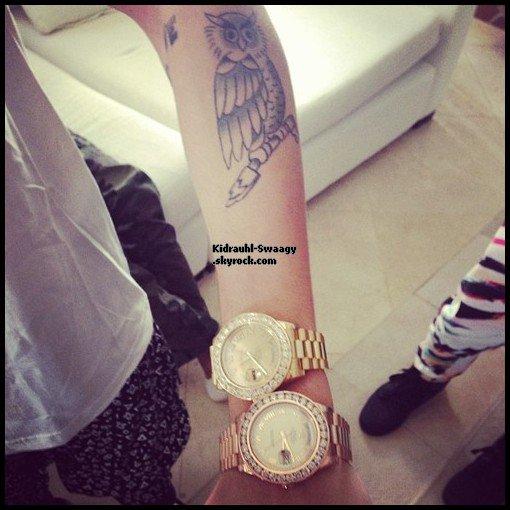 Justin et ses Rolex en Diamand ;O !
